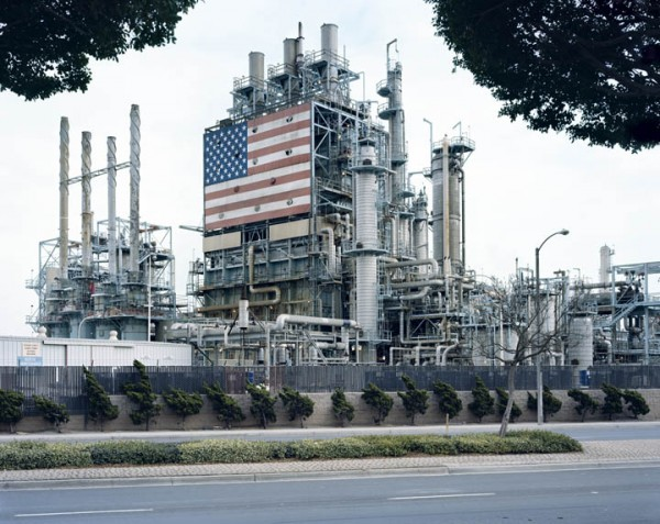 BP CARSON REFINERY, CALIFORNIA. From the series AMERICAN POWER, 2007. C-print, 70x92 inches. Courtesy of Sikkema Jenkins & Co., New York.